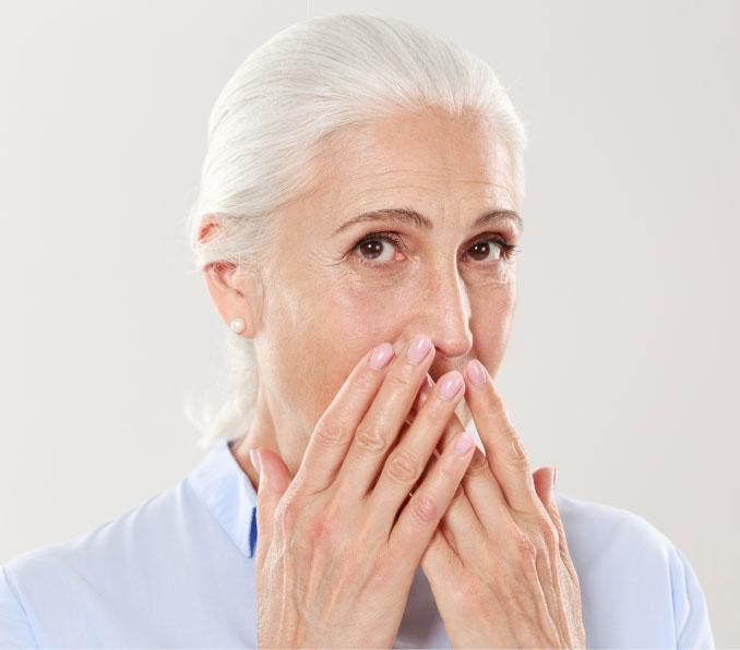 Anziana-implantologia-dentale-milano